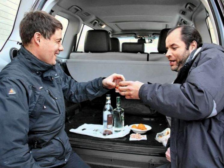 Что будет за распитие спиртного в припаркованном автомобиле