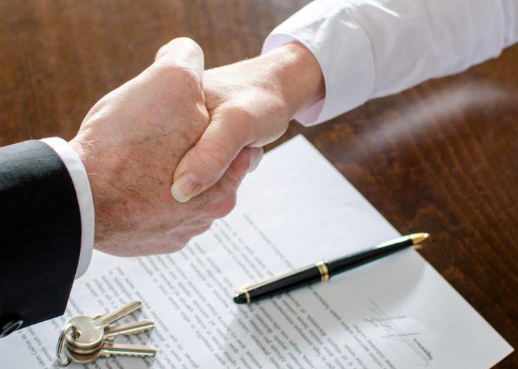 Чем сделка отличается от договора?
