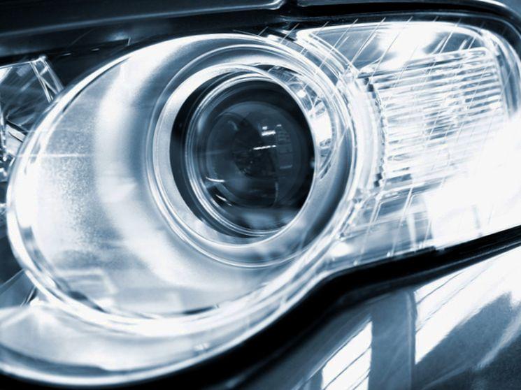 Что будет за установку на автомобиле ксеноновых ламп