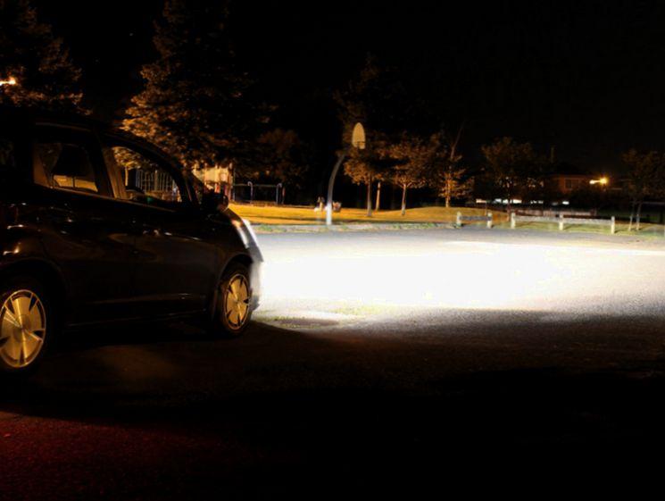 Что будет за внештатную установку на автомобиле ксеноновых ламп