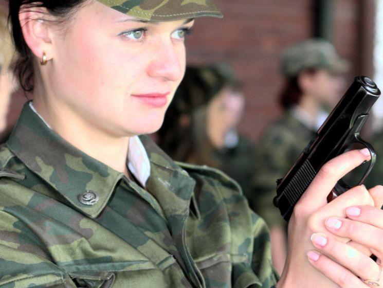 Как девушке поступить на службу в армии России