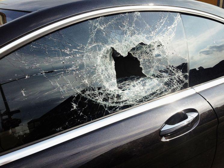 Как действовать при повреждении автомобиля третьими лицами