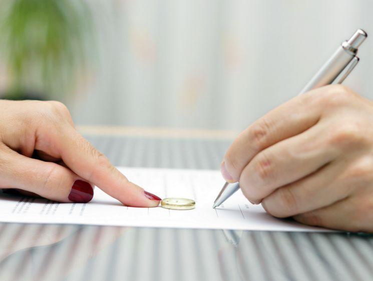 Как расторгнуть брак - расторжение брака по решению суда и в добровольном порядке