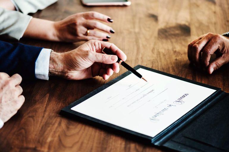 Когда можно заключить брачный договор? До свадьбы, а уже в браке?