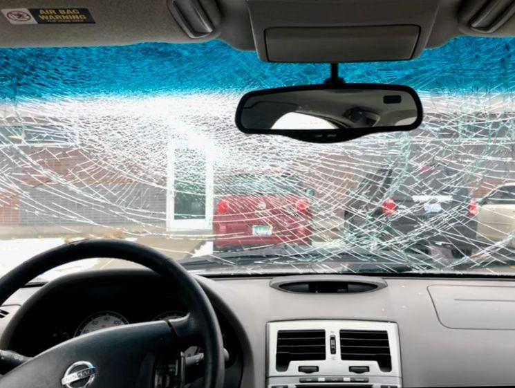Кто возмещает ущерб, причиненный автомобилю по вине коммунальных служб