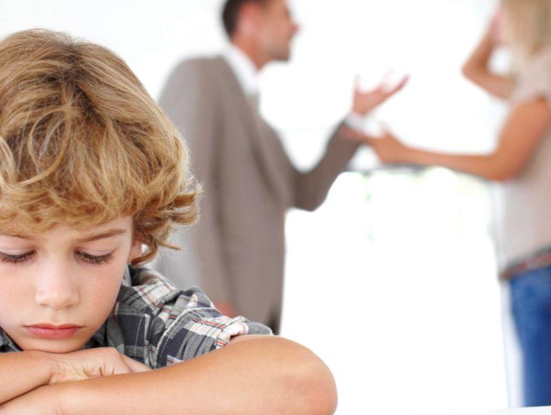 Можно ли отказаться от родительских прав и обязанностей