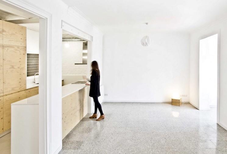 За незаконную перепланировку квартир в нежилые помещения суд может лишить права собственности