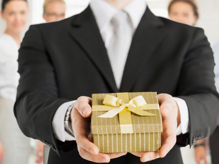 Требуется ли платить НДФЛ с подарков