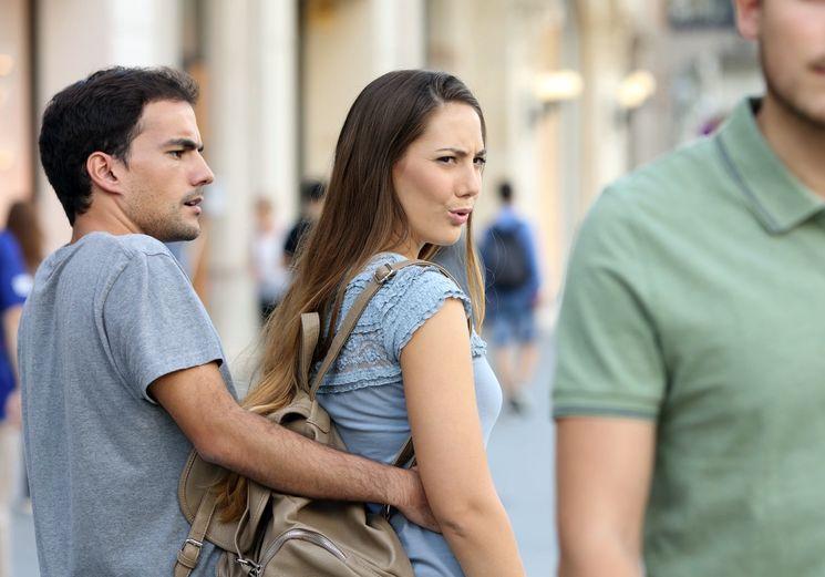 Можно ли развестись с беременной женой, если ребенок не от меня?