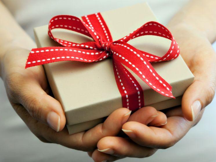 Нужно ли платить налоги с подарков