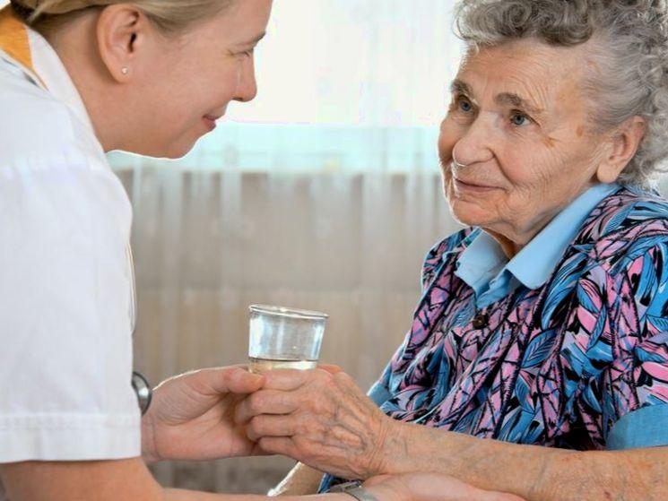 Как оформить опекунство над пожилым человеком