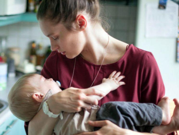 Как получить выплаты и пособия при рождении ребенка