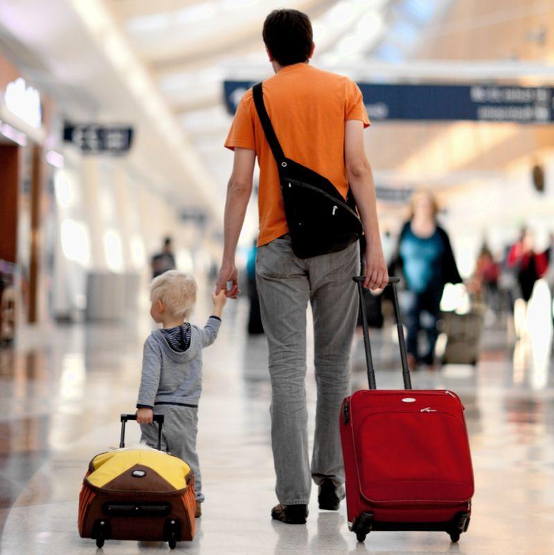 Вывоз ребенка за границу - как выехать с ребенком на отдых, мероприятие или лечение за границу